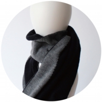 % SCARF BLOCK Black 50% Gray 50%