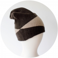% KNIT CAP BLOCK Dark brown 80% Beige 20%