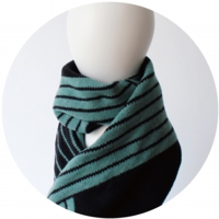 % SCARF STRIPE Mint green 50% Black 50%