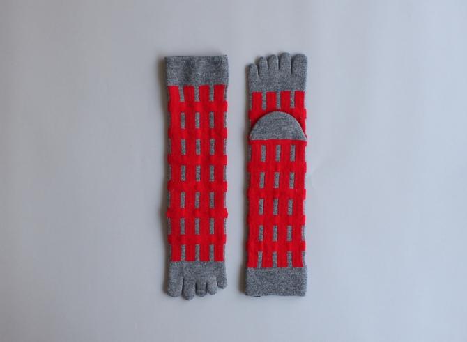 % FIVE TOE SOCKS LINE Red 60% Gray 40%