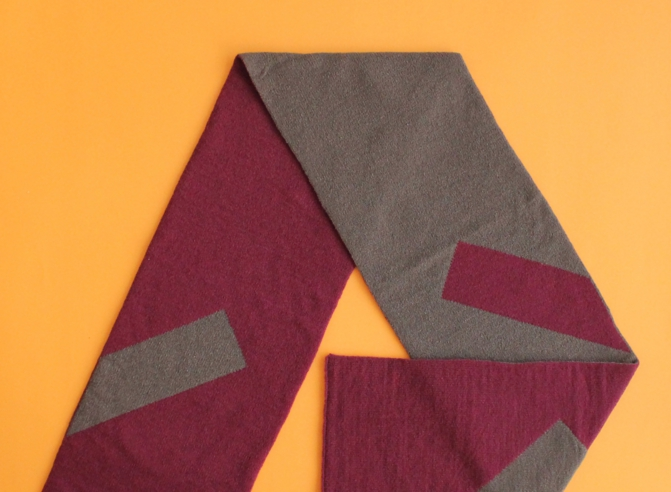 % SCARF LINE Wine red 50% Brown 50%