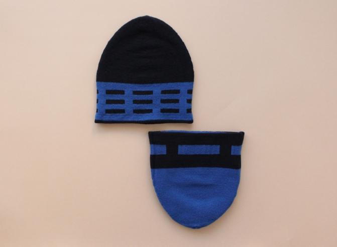 % KNIT CAP LINE Black 70% Blue 30%