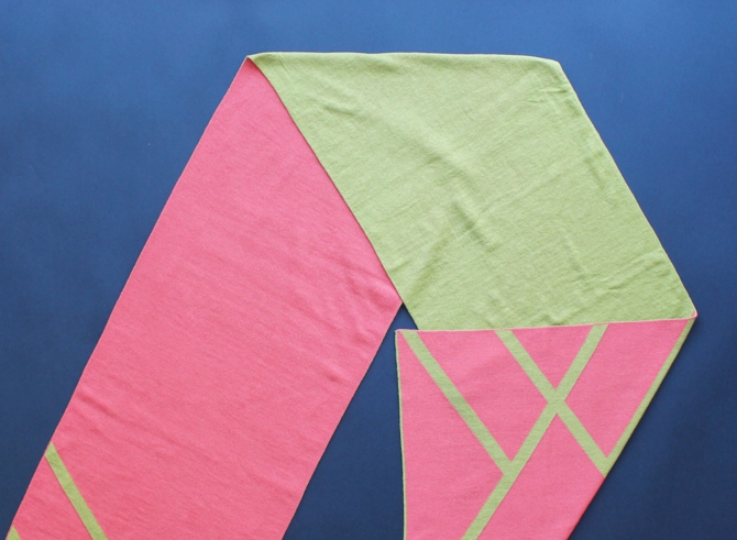 % SCARF CROSS  Pink 50% Green 50%