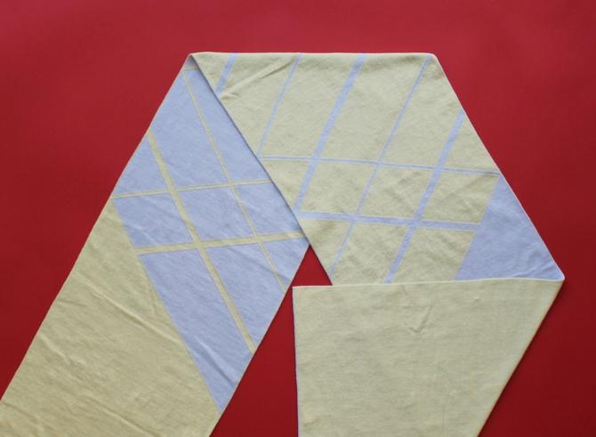 % SCARF CROSS  Gray 50% Yellow 50%