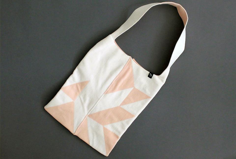 % SHOULDER BAG POLYGON White 70% Light pink 30%